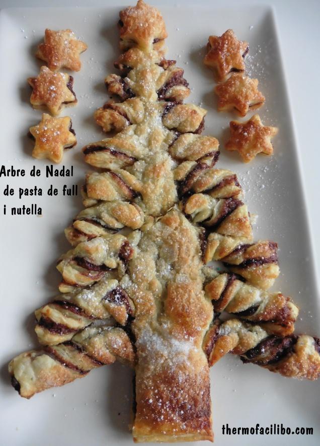 Arbre de Nadal de pasta de full farcit amb nutella (1)