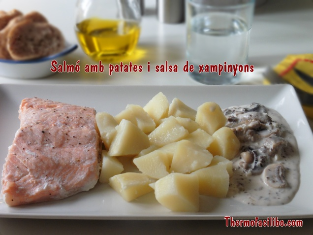 Salmó amb patates i salsa de xampinyons