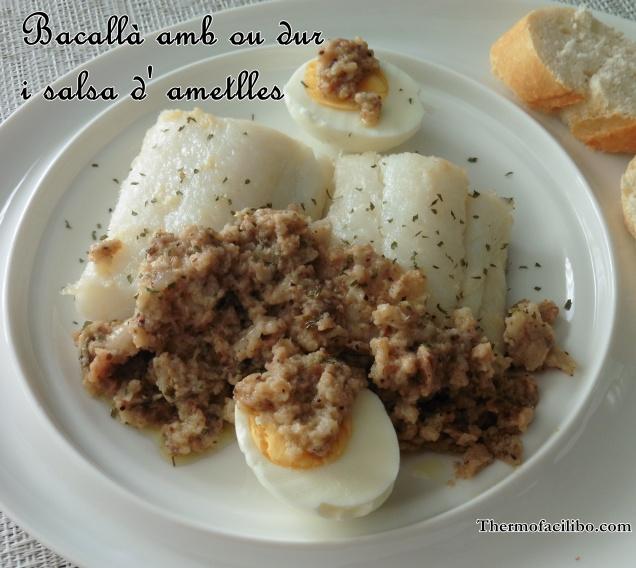 Bacallà amb ou dur i salsa d' ametlles