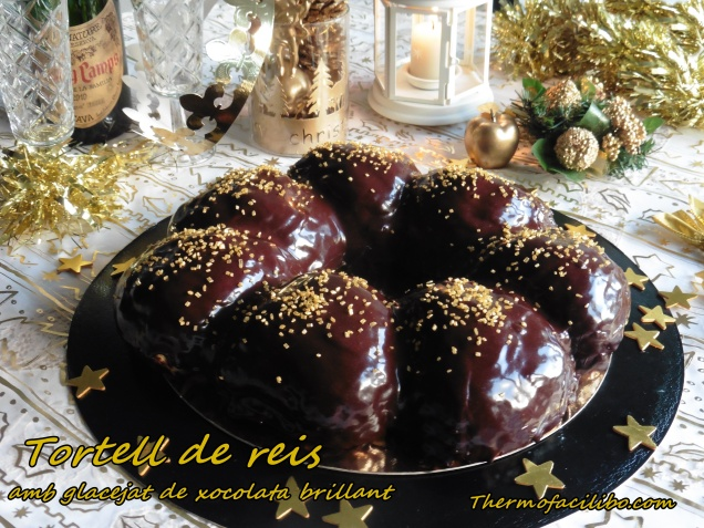 tortell-de-reis-amb-glacejat-de-xocolata-brillant-4