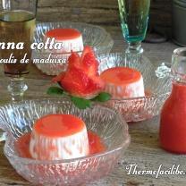 panna-cotta-amb-coulis-de-maduixa
