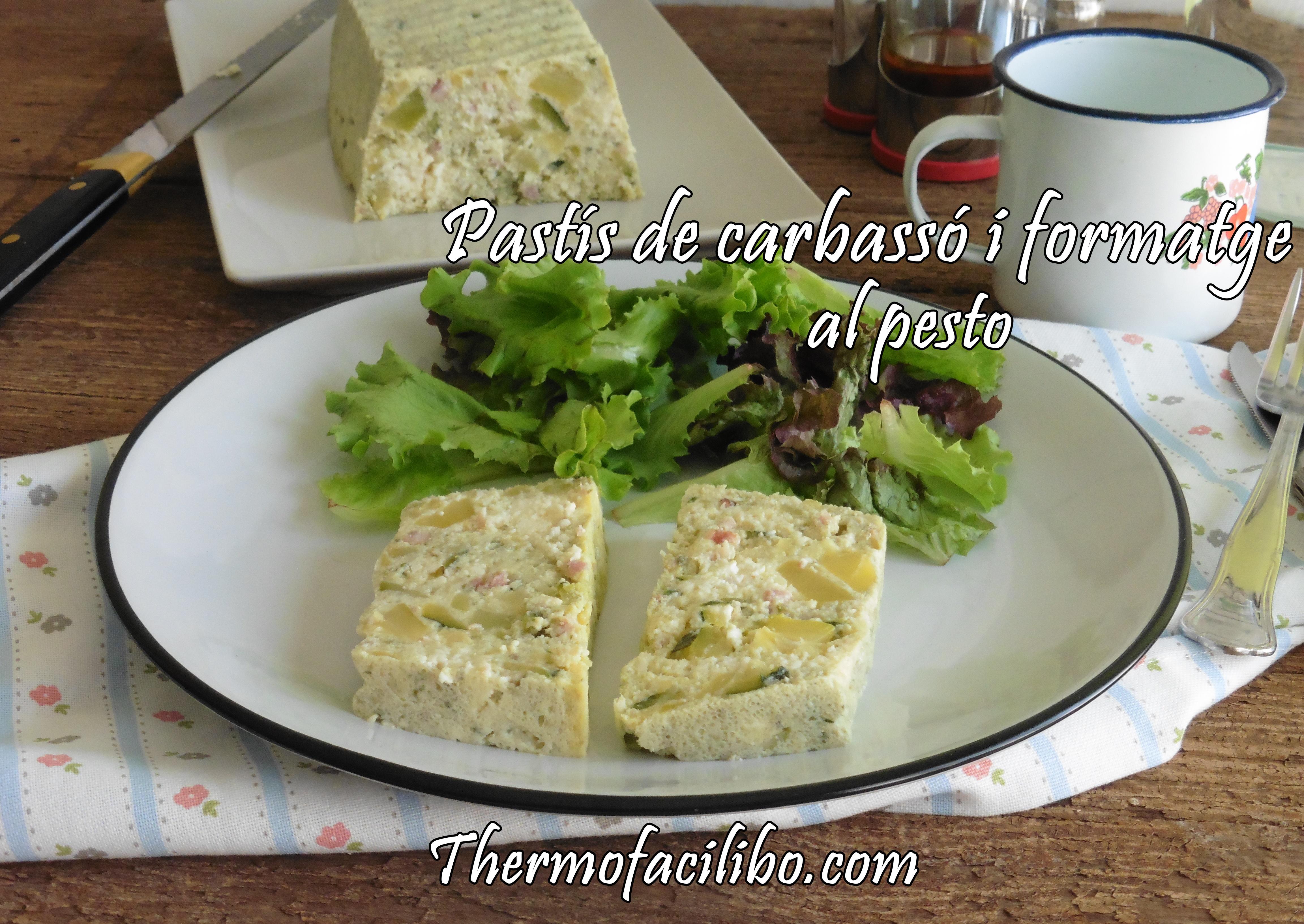 Pastís de carbassó i formatge al pesto