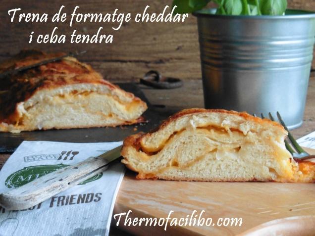 trena de formatge cheddar i ceba tendra..