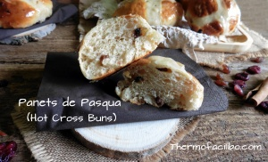 Panets de Pasqua (Hot Cross Buns)-1