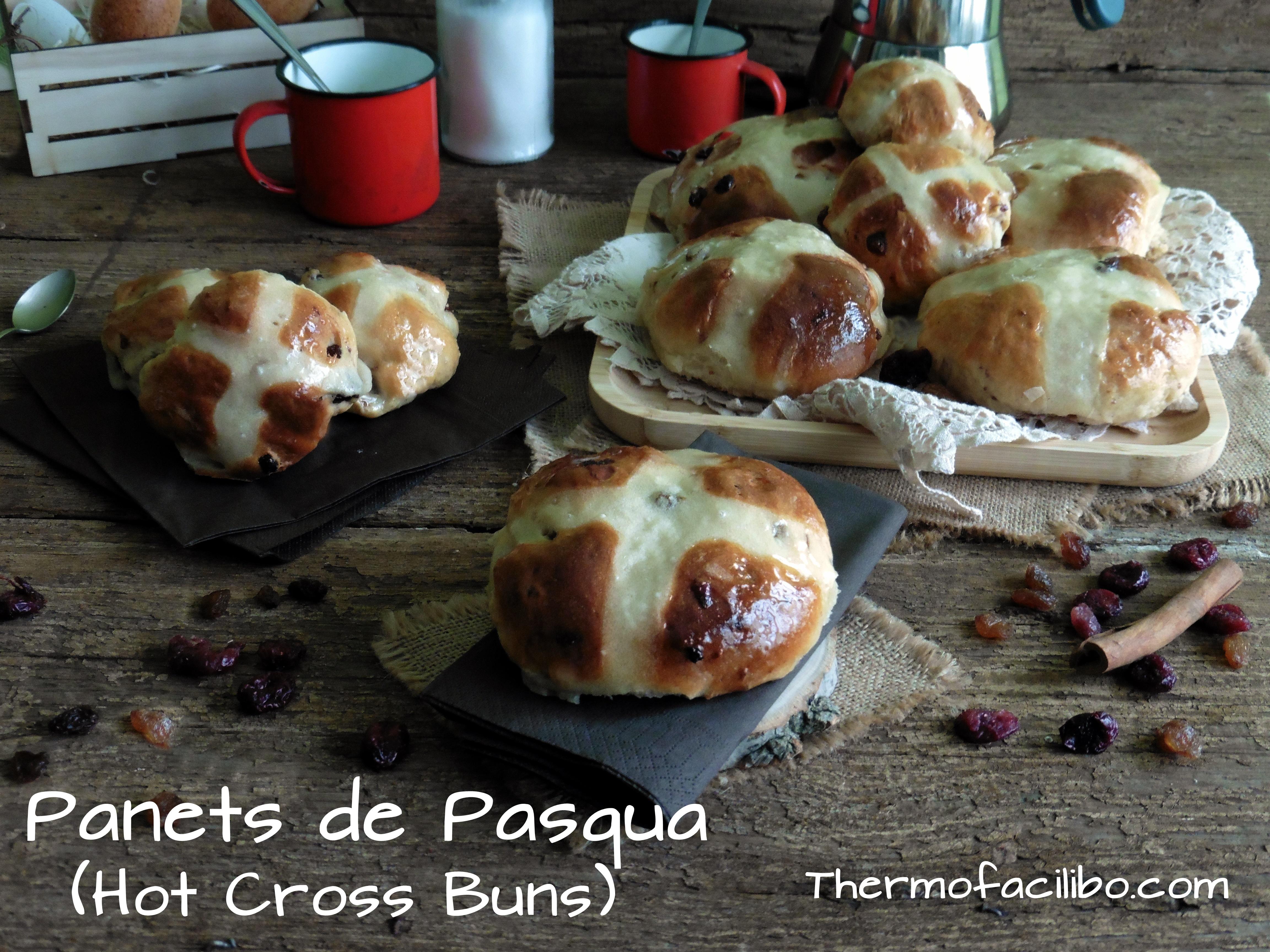 Panets de Pasqua (Hot Cross Buns)1