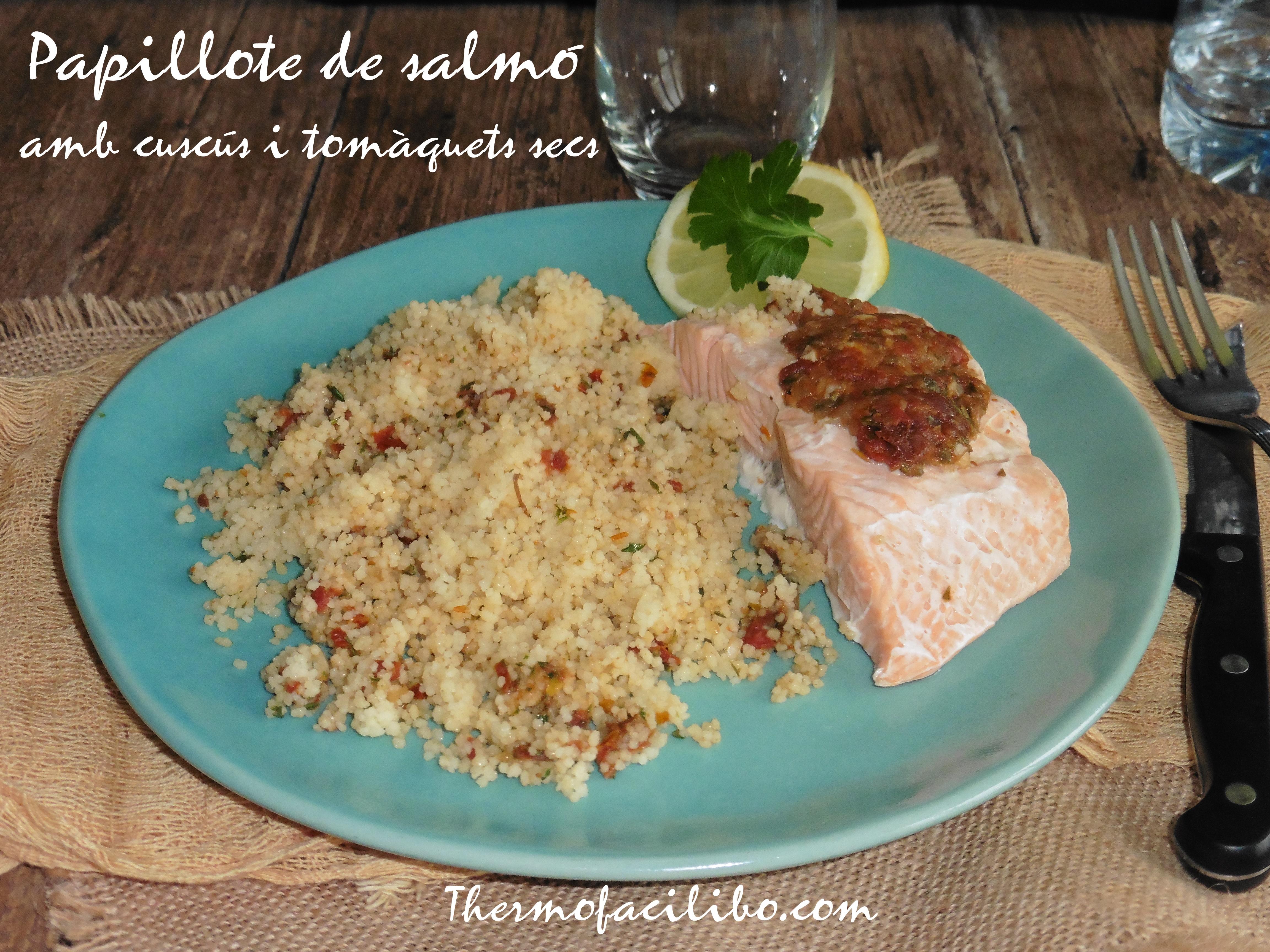 Papillote de salmó amb cuscús i tomàquets secs