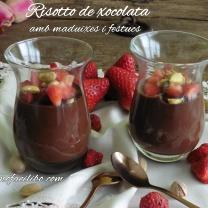 Risotto de xocolata amb maduixes i festucs