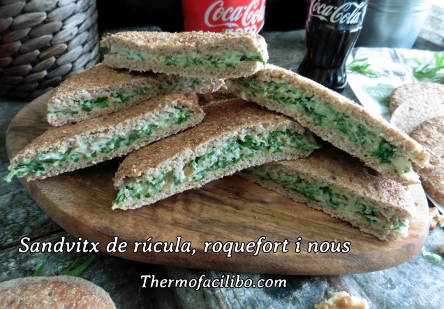Sandvitx de rúcula, roquefort i nous.1