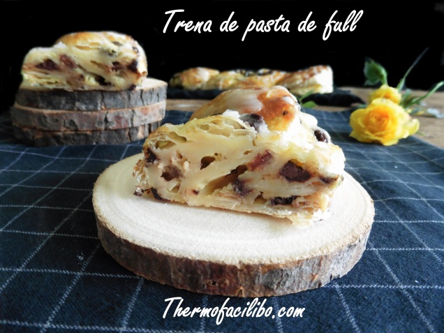 Trena de pasta de full amb crema i fruits secs.3