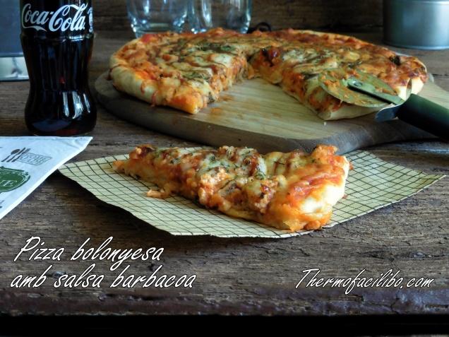 Pizza bolonyesa amb salsa barbacoa+