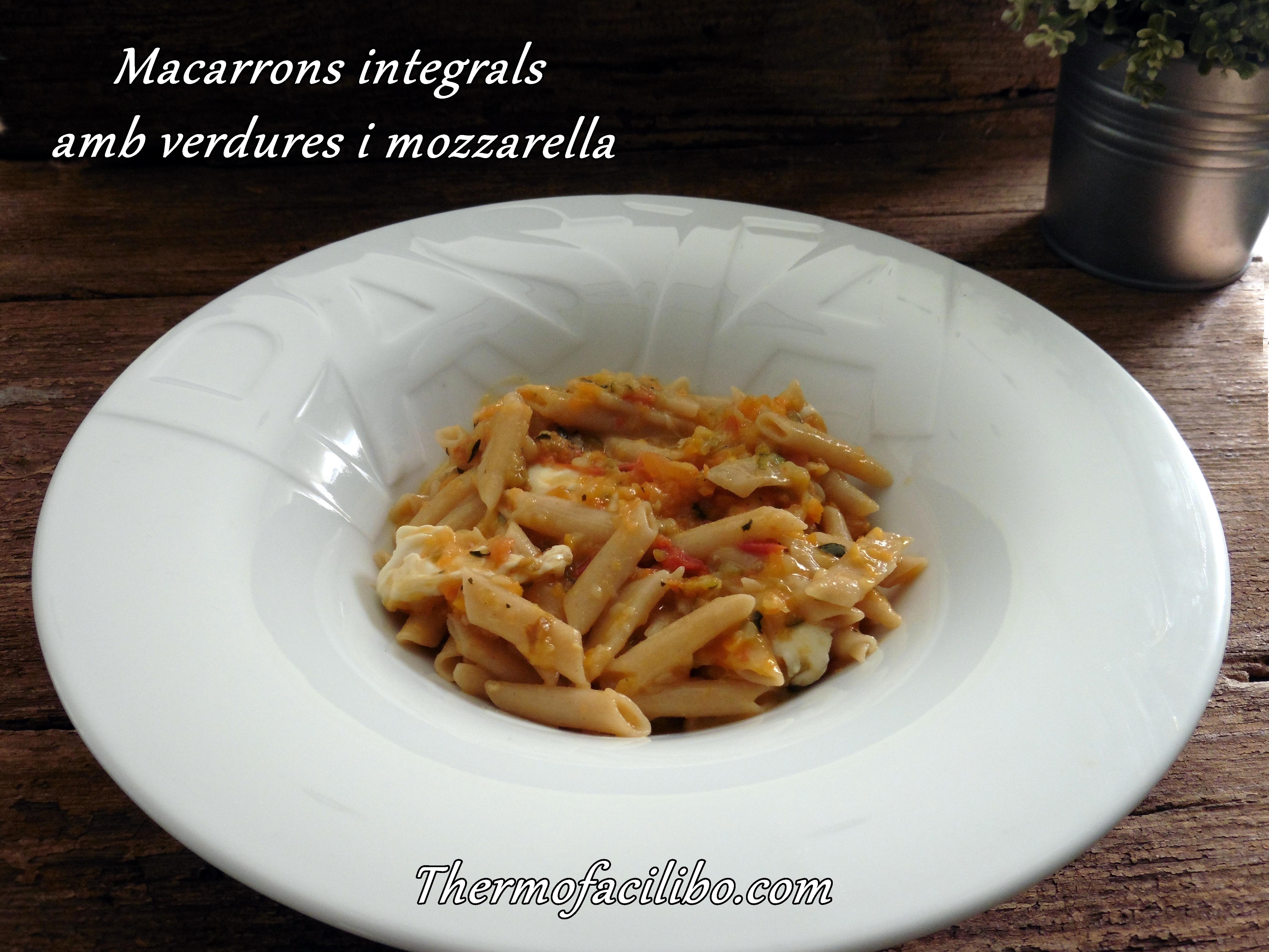 Macarrons integrals amb verdures i mozzarella
