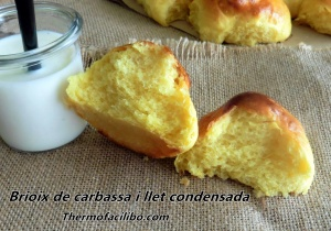 Brioix de carbassa i llet condensada
