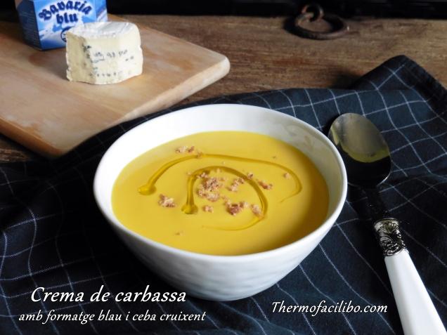 crema de carbassa amb formatge blau i ceba cruixent